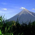 Volcan_de_Fuego_y_Acatenango